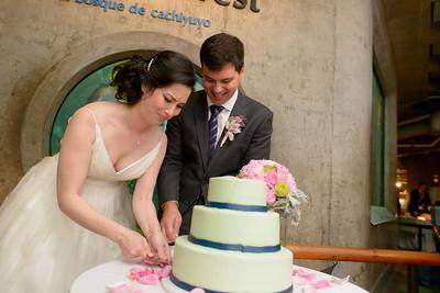 9820_d800b_Jamie_and_Jake_Monterey_Bay_Aquarium_Wedding_Photography