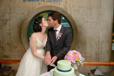 9814_d800b_Jamie_and_Jake_Monterey_Bay_Aquarium_Wedding_Photography