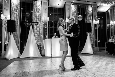1720_d800b_Nicole_and_Tommy_SF_City_Hall_and_Westin_St_Francis_San_Francisco_Wedding_Photography