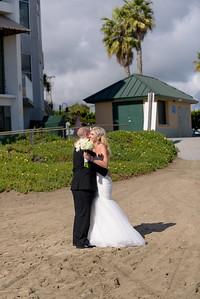6432_d810a_Molly_and_Jay_Dream_Inn_Santa_Cruz_Wedding_Photography