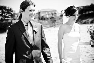 6055-d700_Laura_and_Kaylen_Santa_Cruz_Wedding_Photography