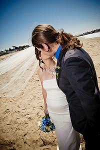 3943-d3_Laura_and_Kaylen_Santa_Cruz_Wedding_Photography