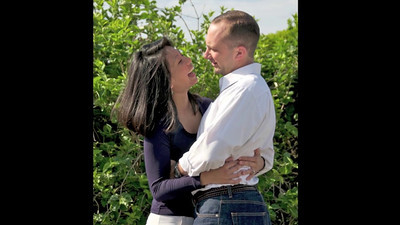 "A video of highlights from Irene & Joe's engagement photo session >> Click on the arrow above to play >> Click on ""Close"" on the upper right corner of the window to exit the video"