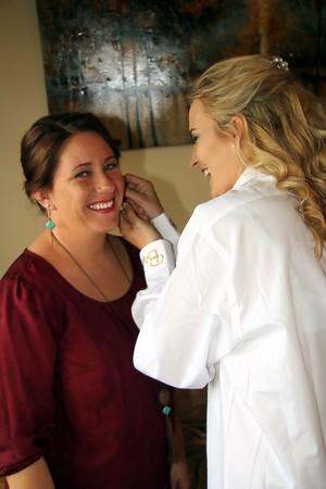 BRIDESMAIDS GETTING READY  KRALIKPHOTO  (55)