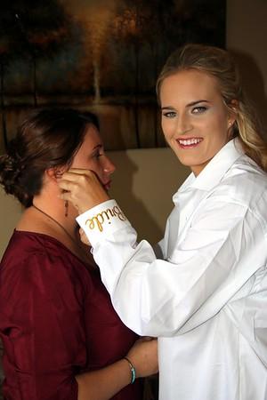 BRIDESMAIDS GETTING READY  KRALIKPHOTO  (53)