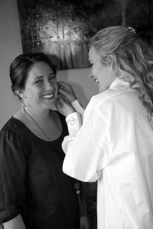 BRIDESMAIDS GETTING READY  KRALIKPHOTO  (56)