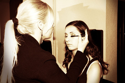 MADDIE GETTING READY WITH JEN  (3)