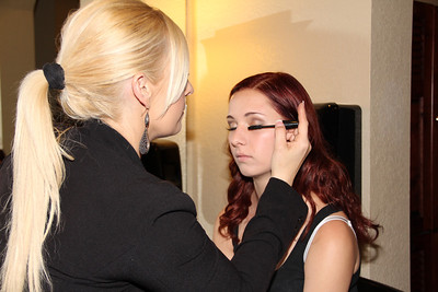 MADDIE GETTING READY WITH JEN  (1)