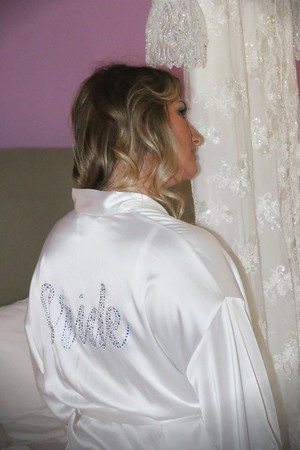 CASSIE GETTING READY KRALIK PHOTO  (11)
