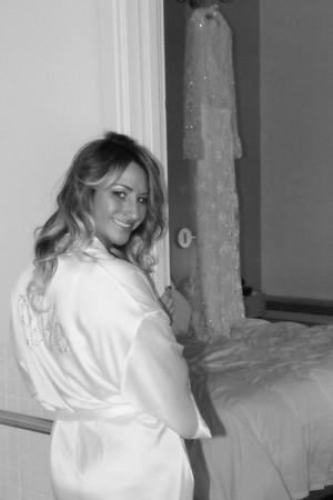 CASSIE GETTING READY KRALIK PHOTO  (36)