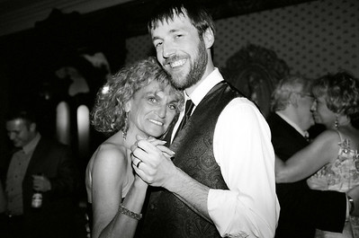 /Volumes/More Pictures/New Work/ Weddings/Jen and Brian 2006 06 24/ Film Proofs/ Uploaded/JenBrianDisk2_024