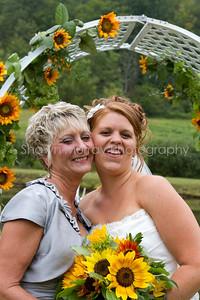 Jessica & Leigh_082110-1182-533