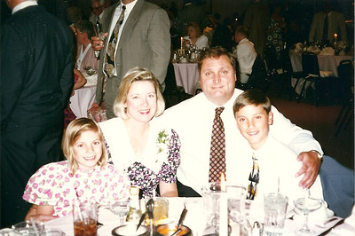 Thompson family at Eddie & Jill's wedding    6/97