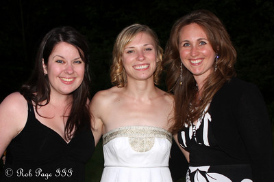 Barbara Weinfurtner, Julie, Annie Doyle - Chagrin Falls, OH ... June 27, 2009 ... Photo by Bob Page, Jr.