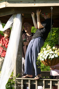 Abby, Kyle, and Elaine decorating for the wedding - Chagrin Falls, OH ... June 27, 2009 ... Photo by Rob Page III