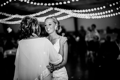 02954-©ADHPhotography2019--JustinMattieBell--Wedding--September28bw