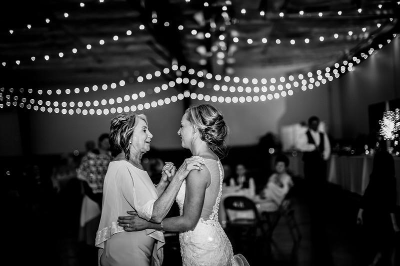 02948-©ADHPhotography2019--JustinMattieBell--Wedding--September28bw