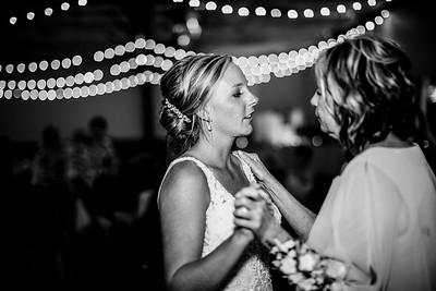 02956-©ADHPhotography2019--JustinMattieBell--Wedding--September28bw