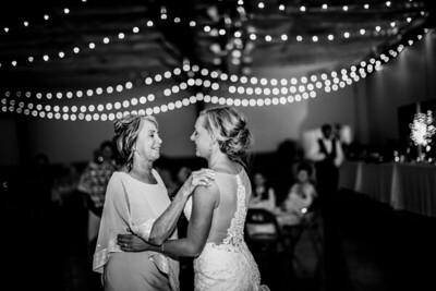 02946-©ADHPhotography2019--JustinMattieBell--Wedding--September28bw