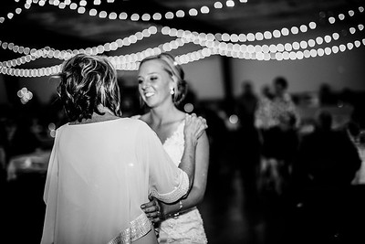 02955-©ADHPhotography2019--JustinMattieBell--Wedding--September28bw