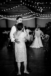 03027-©ADHPhotography2019--JustinMattieBell--Wedding--September28bw