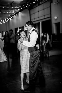 03031-©ADHPhotography2019--JustinMattieBell--Wedding--September28bw