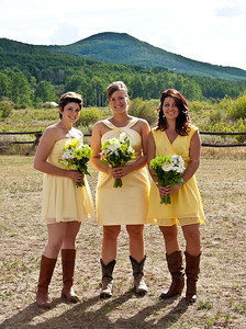 bridesmaids-yellow-dresses