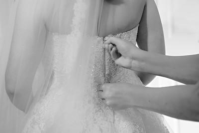 Katie&Tynan-BridePrep-046