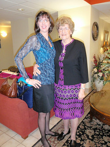Jenny and Mom in the hotel lobby before leaving for the wedding.  Mom looks really jazzy!