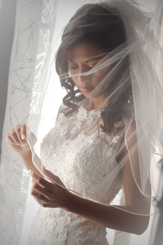 Our stunning Bride with veil