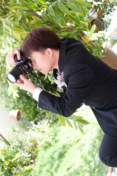 Without holding the lens (even when he's not supposed to be doing that) can make a photographer's hands 'itchy'... so why not play with it for a while?