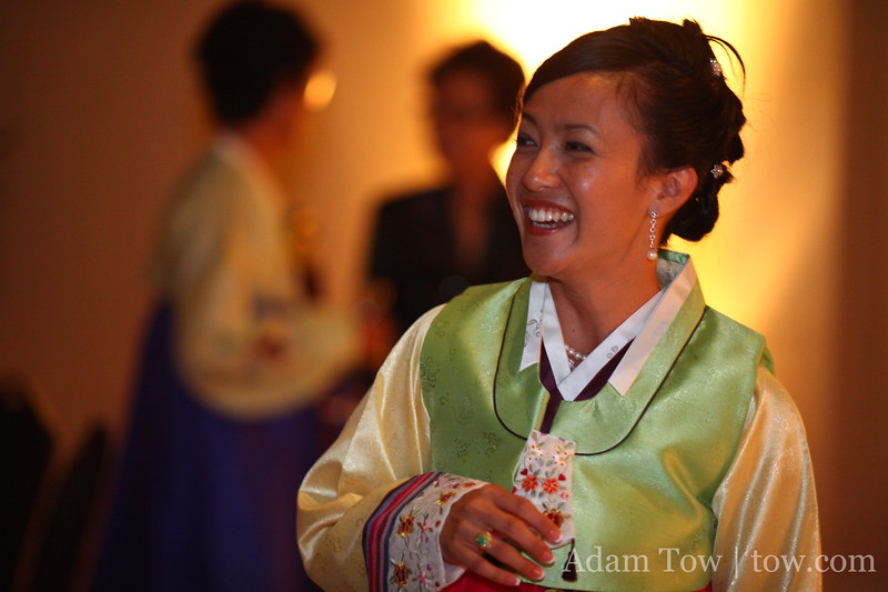 Lee now sports the traditional Korean wedding outfit.