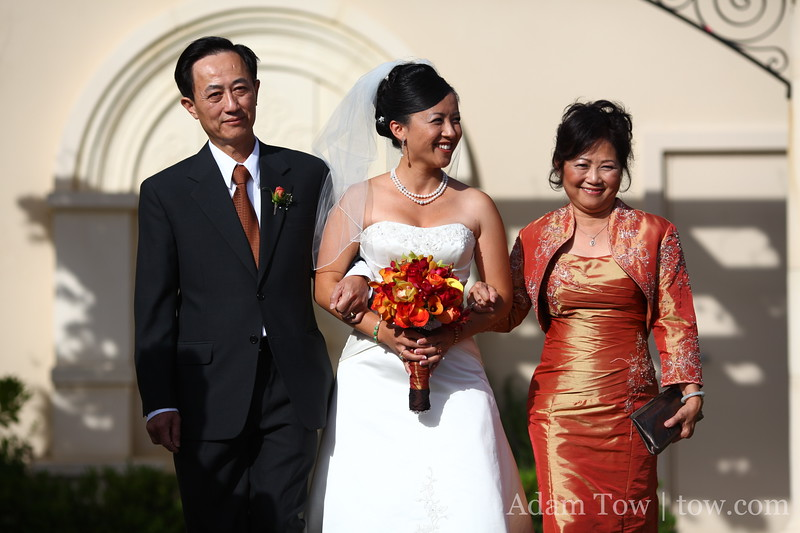 Lee and her parents.