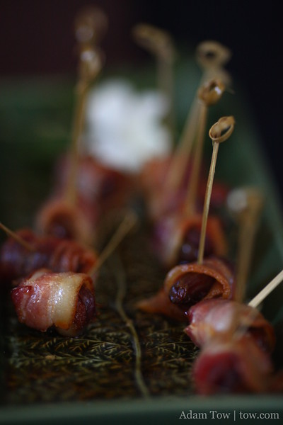 These bacon hor d'oeuvres were really good.