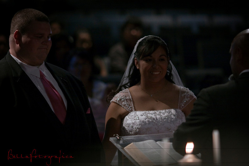 Linda_Ceremony__20090502_132