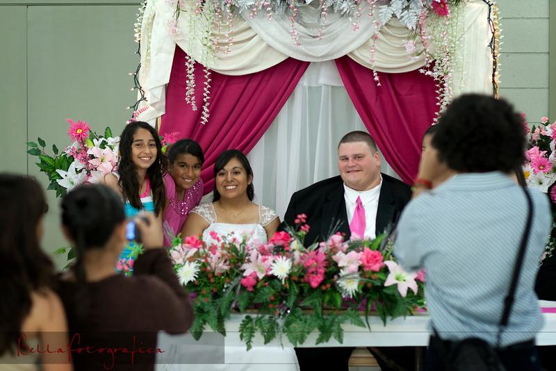 Linda_Ceremony__20090502_242