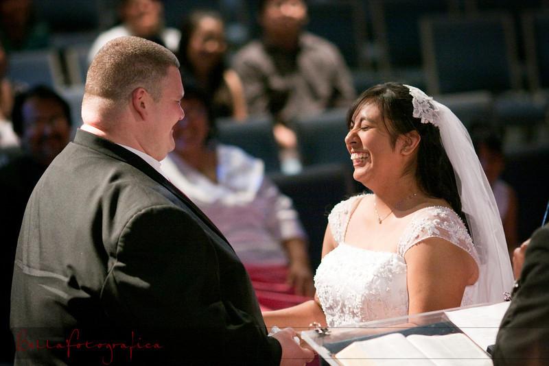 Linda_Ceremony__20090502_157