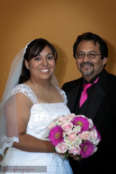 Linda_Ceremony__20090502_184