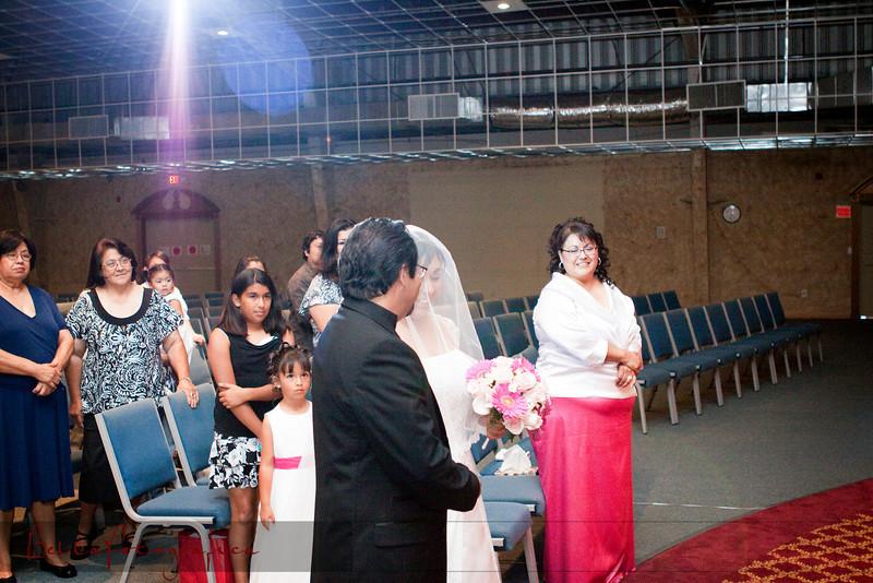 Linda_Ceremony__20090502_077