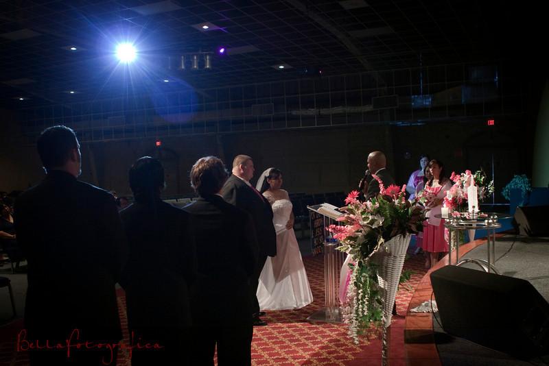 Linda_Ceremony__20090502_115