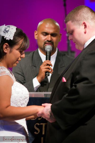 Linda_Ceremony__20090502_154