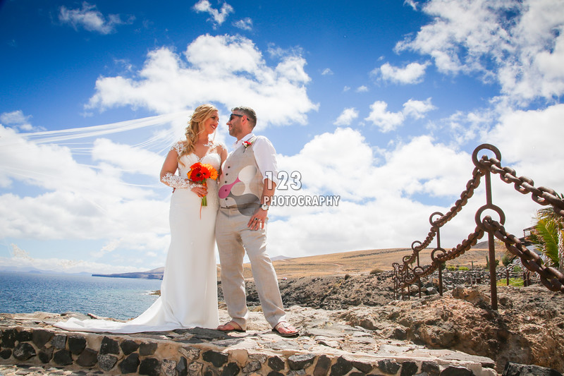 Lizzy and Ovi's wedding photography Hesperia Lanzarote
