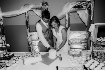 04010-©ADHPhotography2019--Zeiler--Wedding--August10bw