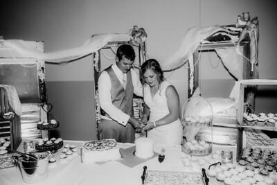 04009-©ADHPhotography2019--Zeiler--Wedding--August10bw