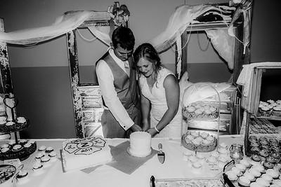 04011-©ADHPhotography2019--Zeiler--Wedding--August10bw