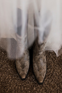 Alexandria Vail Photography 48 Barn Wedding Lucas 006