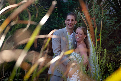 Tears of joy were shared by all as Renske and Bouudewijn exchanged their rings and vows during an emotional ceremony. The ceremony was conducted by close friends and family to make the occasion even more special. After a stroll through the gardens for some photographs a fabulous dinner was enjoyed by all. A huge thank you to Moira of Perfect Spanish weddings for organizing a wonderful afternoon.