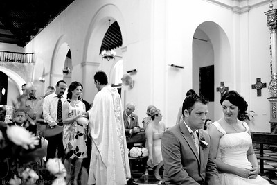 With temperatures soaring on a very hot summers day in June, Bronagh and Rory exchanged their vows. They were joined by family and friends at the beautiful San Antonio Church in Frigiliana. After a short walk around the cobble streets it was back to the Hotel Europa in Nerja for some much needed refreshments. Dinner was then held on the terrace with a beautiful view overlooking the sea. Many thanks to Moria of Perfect Spanish weddings for the planning of the day.