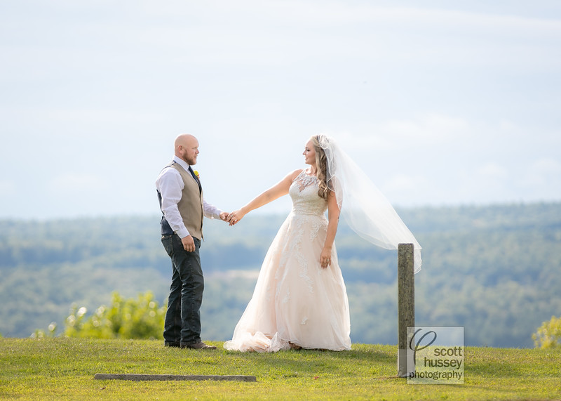 Find the rest of Marie & Ben's photos at www.scotthussey.com
