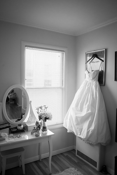 To view a preview of Marisa and Al's wedding photos or to purchase prints visit their gallery at: http://colsongriffith.pass.us/marisaandal